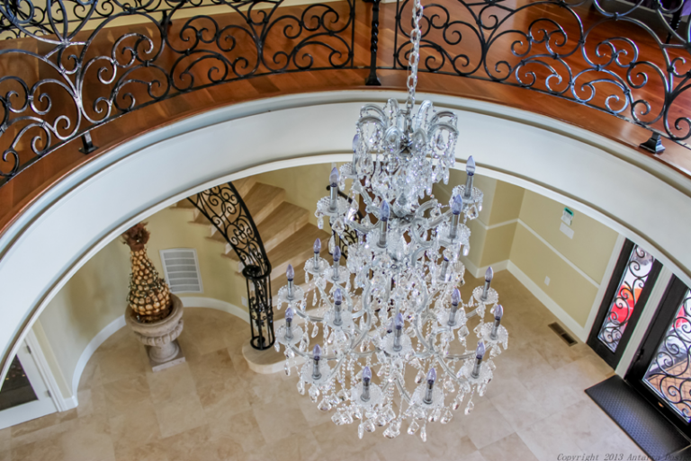Look at The Various Foyer Lighting Options for Your Home